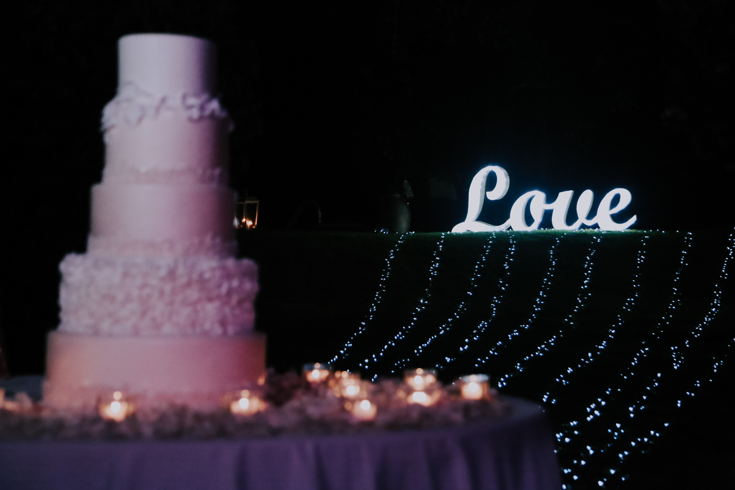 http://www.weddingamalfi.com/wp-content/uploads/Alessandro-and-Diego-wedding-cake.jpg