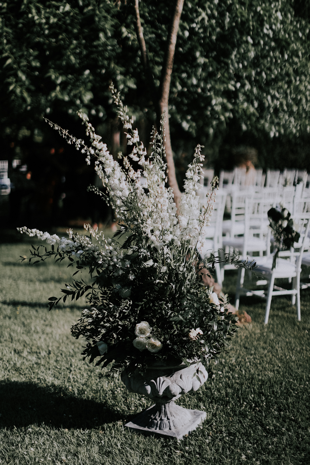 http://www.weddingamalfi.com/wp-content/uploads/Alessandro-and-Diego-wedding-flowers-in-the-garden.jpg