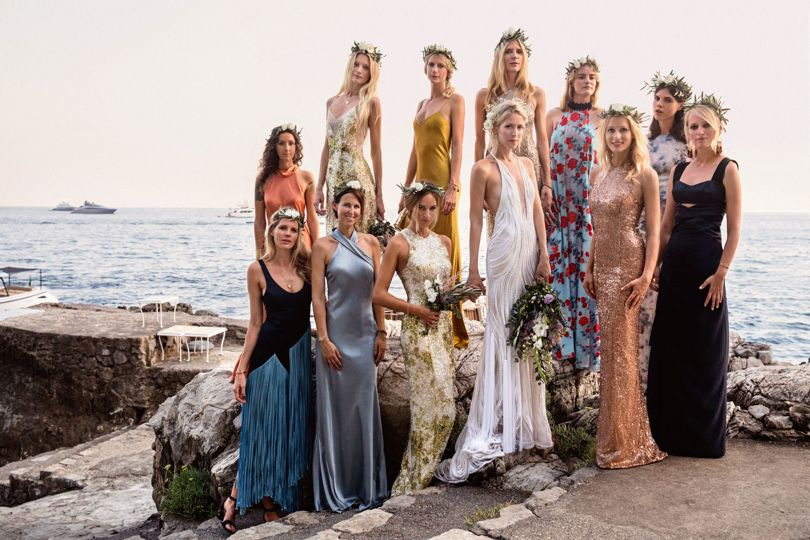 http://www.weddingamalfi.com/wp-content/uploads/Anna-and-Charles-the-bride-and-her-friends-and-bridesmaids-on-the-beach.jpg