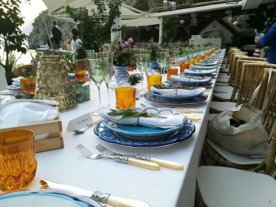 http://www.weddingamalfi.com/wp-content/uploads/Anna-and-Charles-wedding-table-colorful-decorations-and-details.jpg
