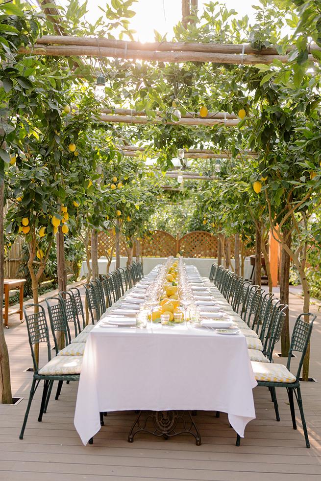 http://www.weddingamalfi.com/wp-content/uploads/Capri-island-Italy-wedding-da-paulino.jpg