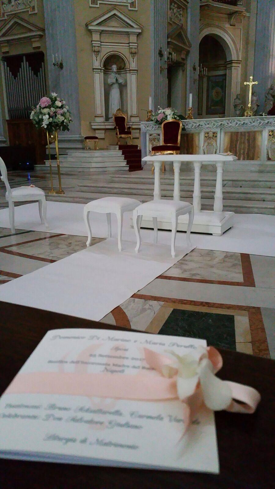 http://www.weddingamalfi.com/wp-content/uploads/Domenico-and-Maria-Wedding-Amalfi-church-decoration.jpg