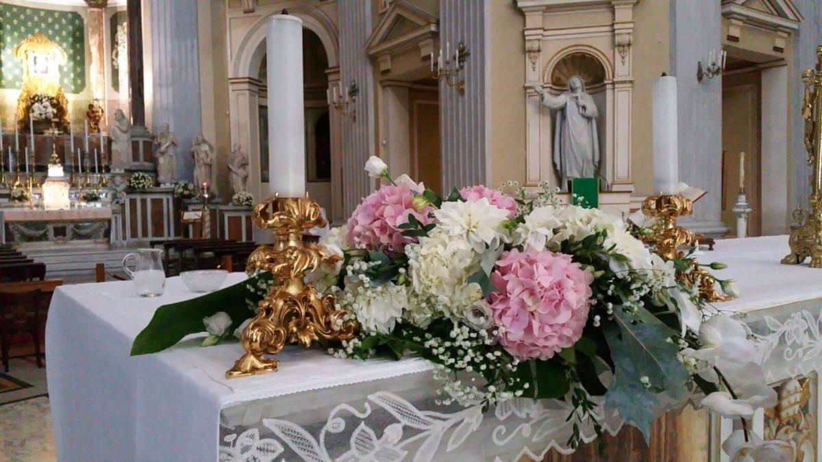 Domenico and Maria - Wedding Amalfi church flowers decoration