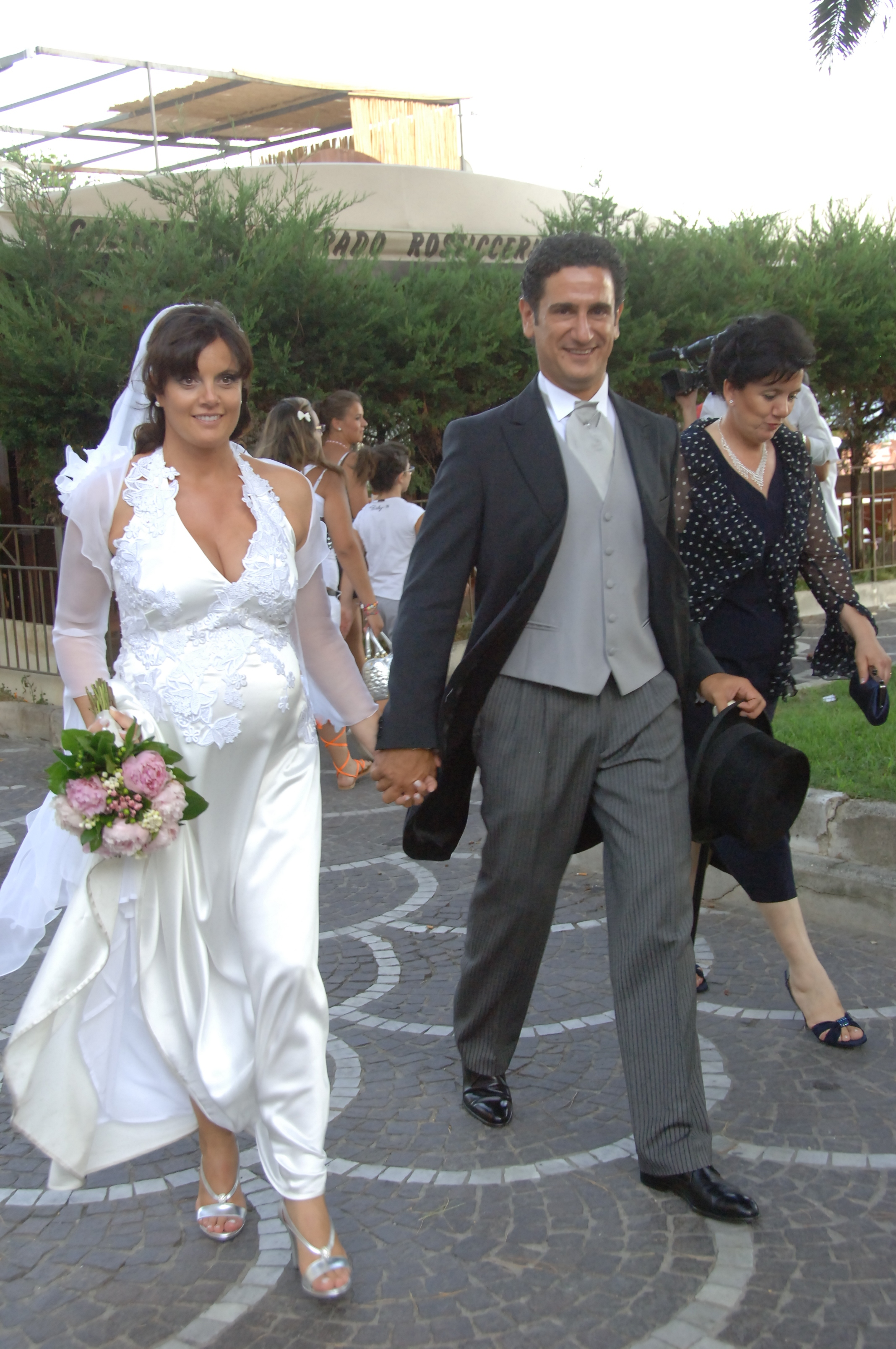 http://www.weddingamalfi.com/wp-content/uploads/Enza-and-Mario-12.jpg