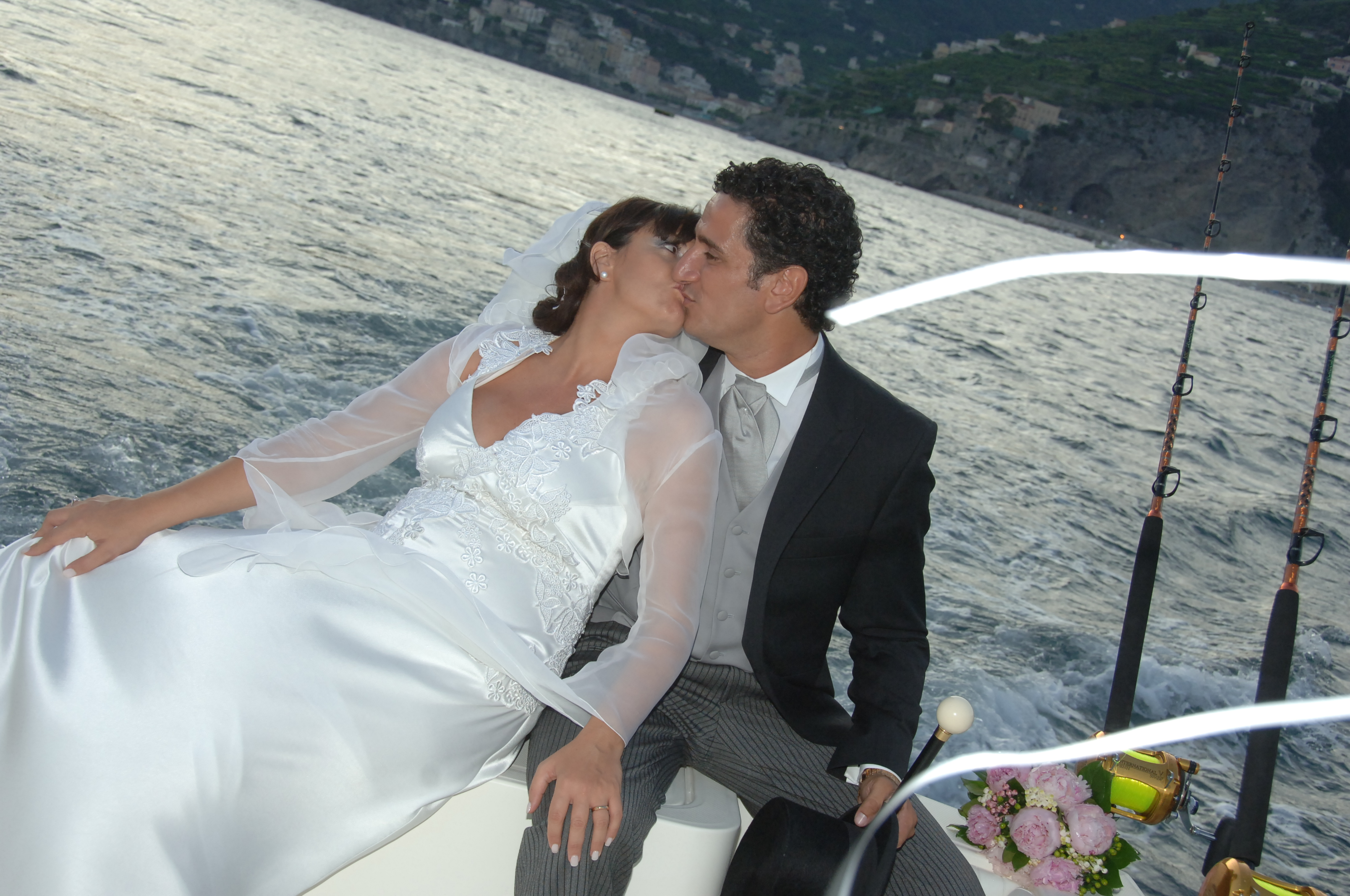 http://www.weddingamalfi.com/wp-content/uploads/Enza-and-Mario-19.jpg