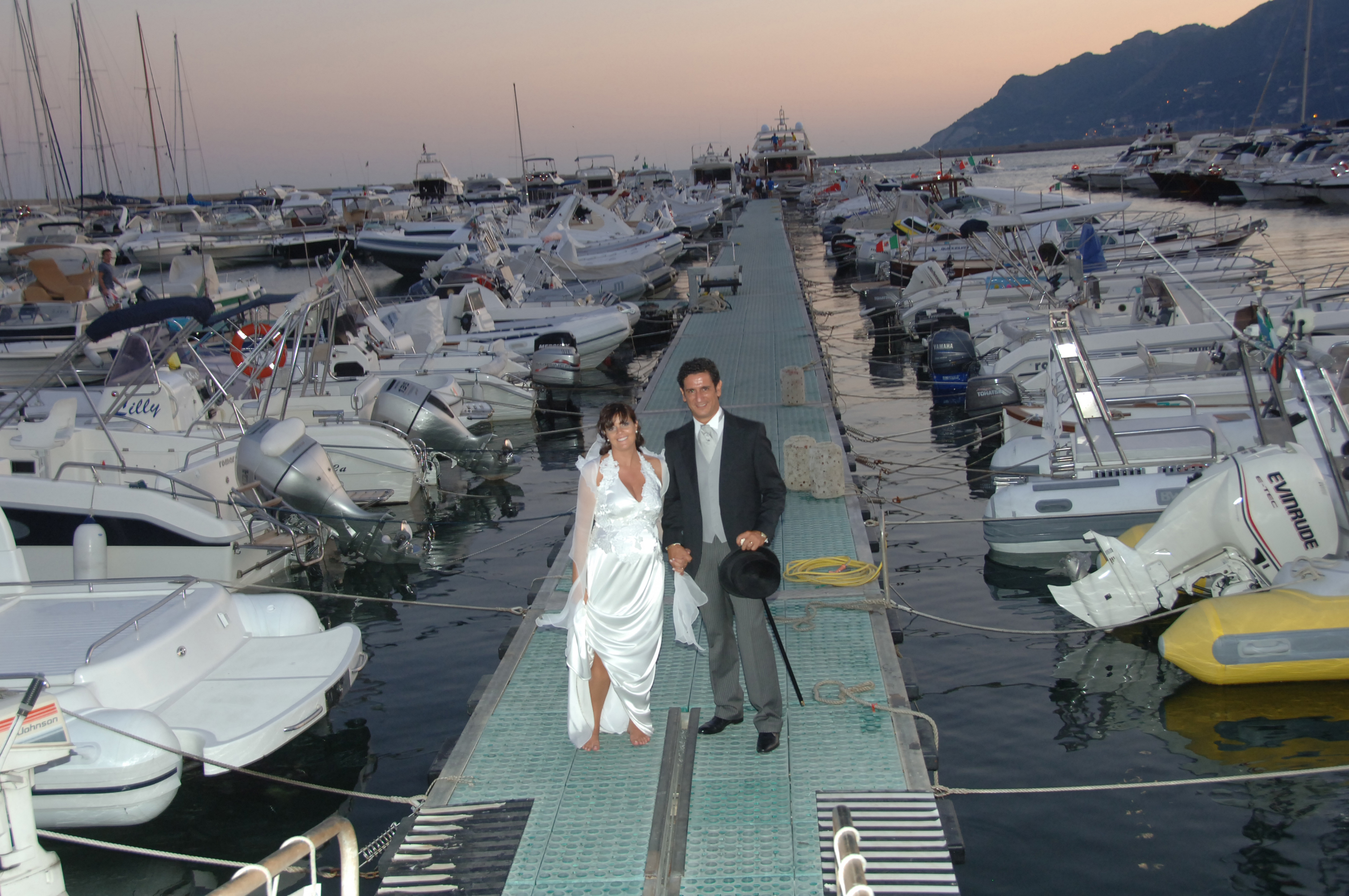 http://www.weddingamalfi.com/wp-content/uploads/Enza-and-Mario-22.jpg