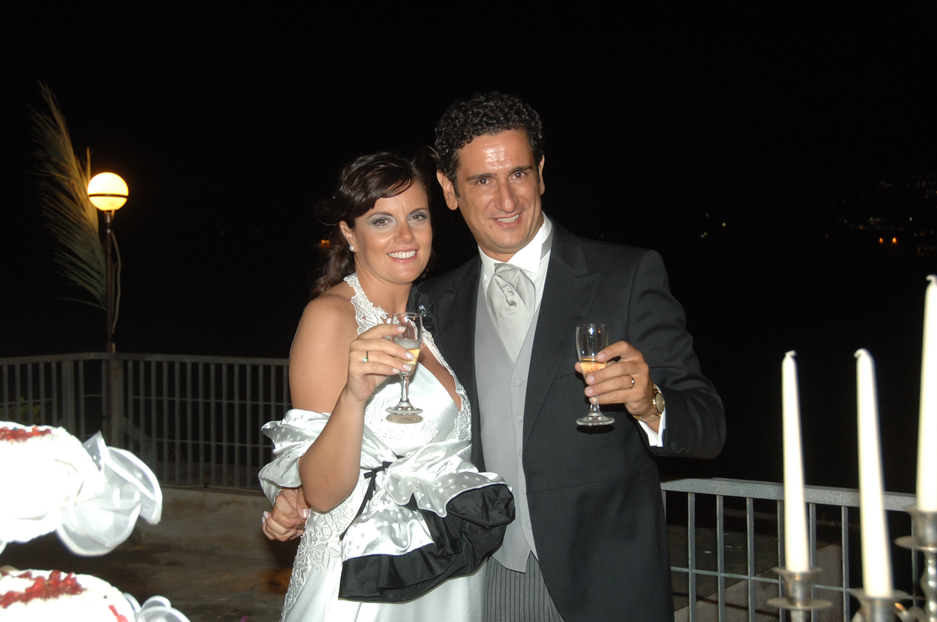 http://www.weddingamalfi.com/wp-content/uploads/Enza-and-Mario-champagne-toast.jpg
