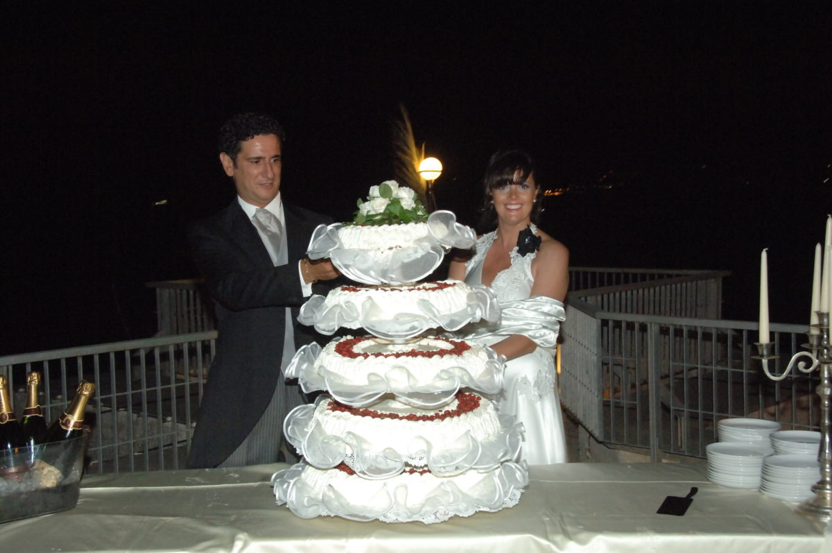 Enza and Mario - wedding cake and champagne