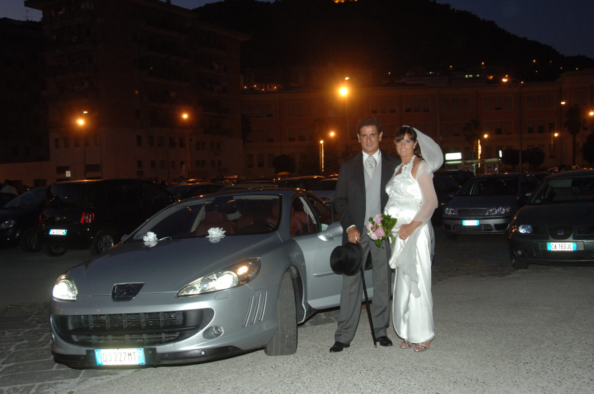 Enza and Mario - wedding car