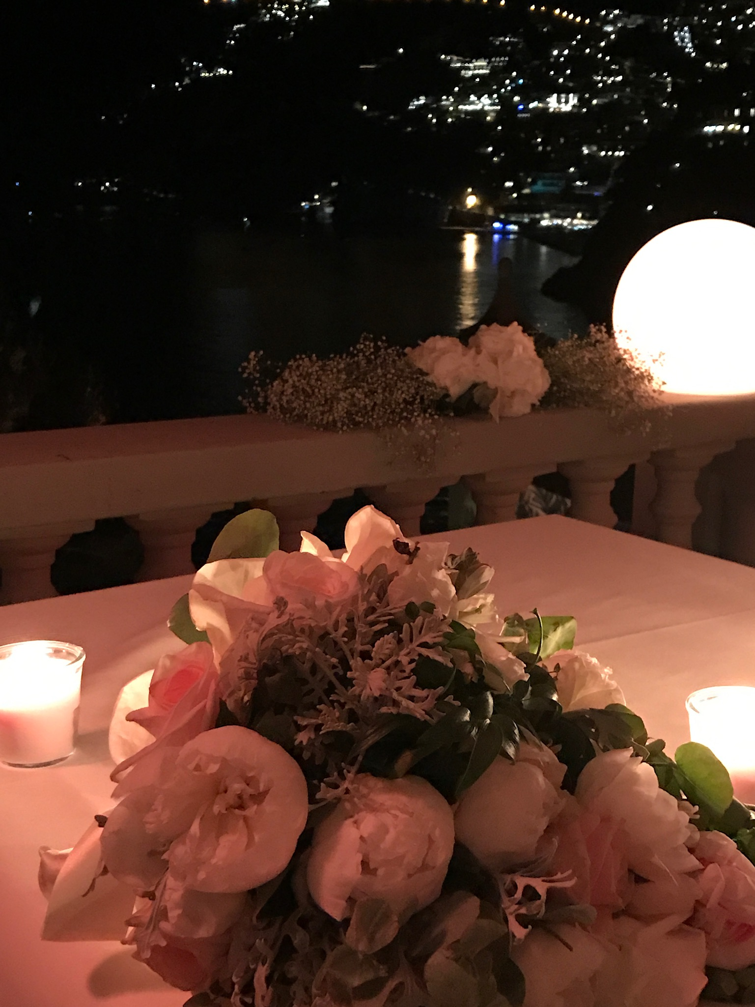 http://www.weddingamalfi.com/wp-content/uploads/Nathalie-and-Benjamin-Wedding-in-Positano-Italy-15.jpg