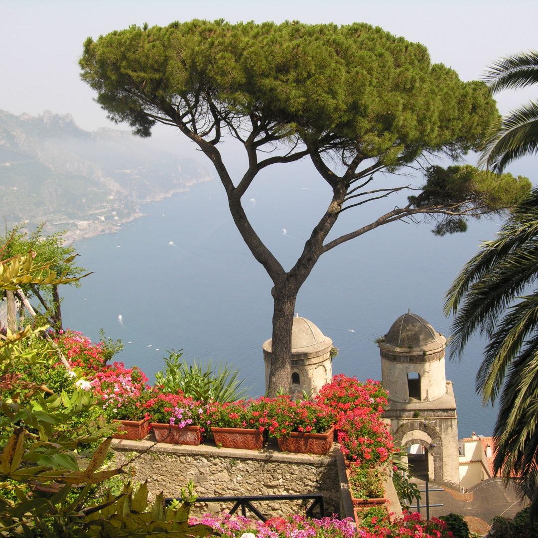 http://www.weddingamalfi.com/wp-content/uploads/Ravello_Amalfi_Coast_Italy.jpg