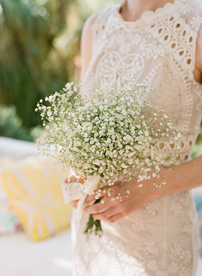 http://www.weddingamalfi.com/wp-content/uploads/babys-breath-bouquet.jpg