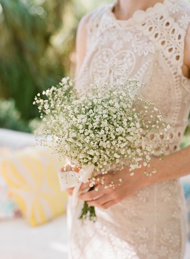 http://www.weddingamalfi.com/wp-content/uploads/babys-breath-bouquet.jpg
