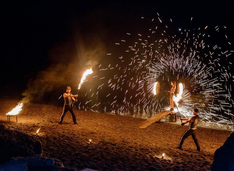 http://www.weddingamalfi.com/wp-content/uploads/fire-dancers-italy.jpg