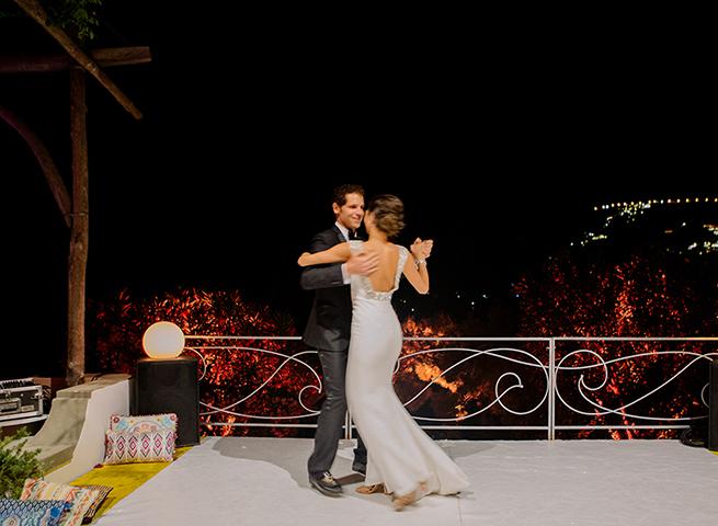 http://www.weddingamalfi.com/wp-content/uploads/first-dance-villa-treville-positano.jpg