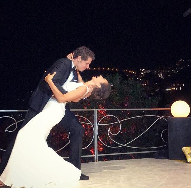 http://www.weddingamalfi.com/wp-content/uploads/first-dance.jpg
