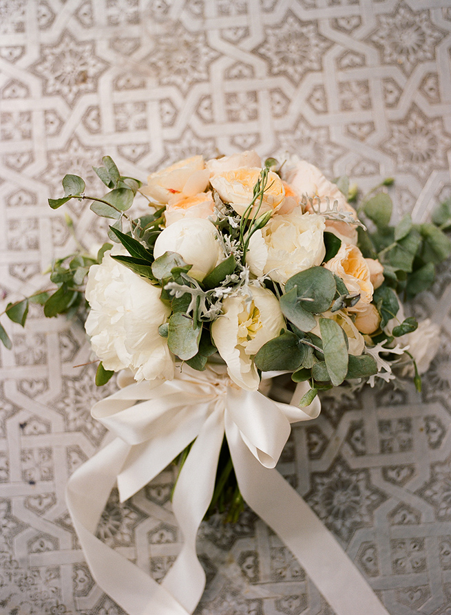 http://www.weddingamalfi.com/wp-content/uploads/peony-bouquet.jpg