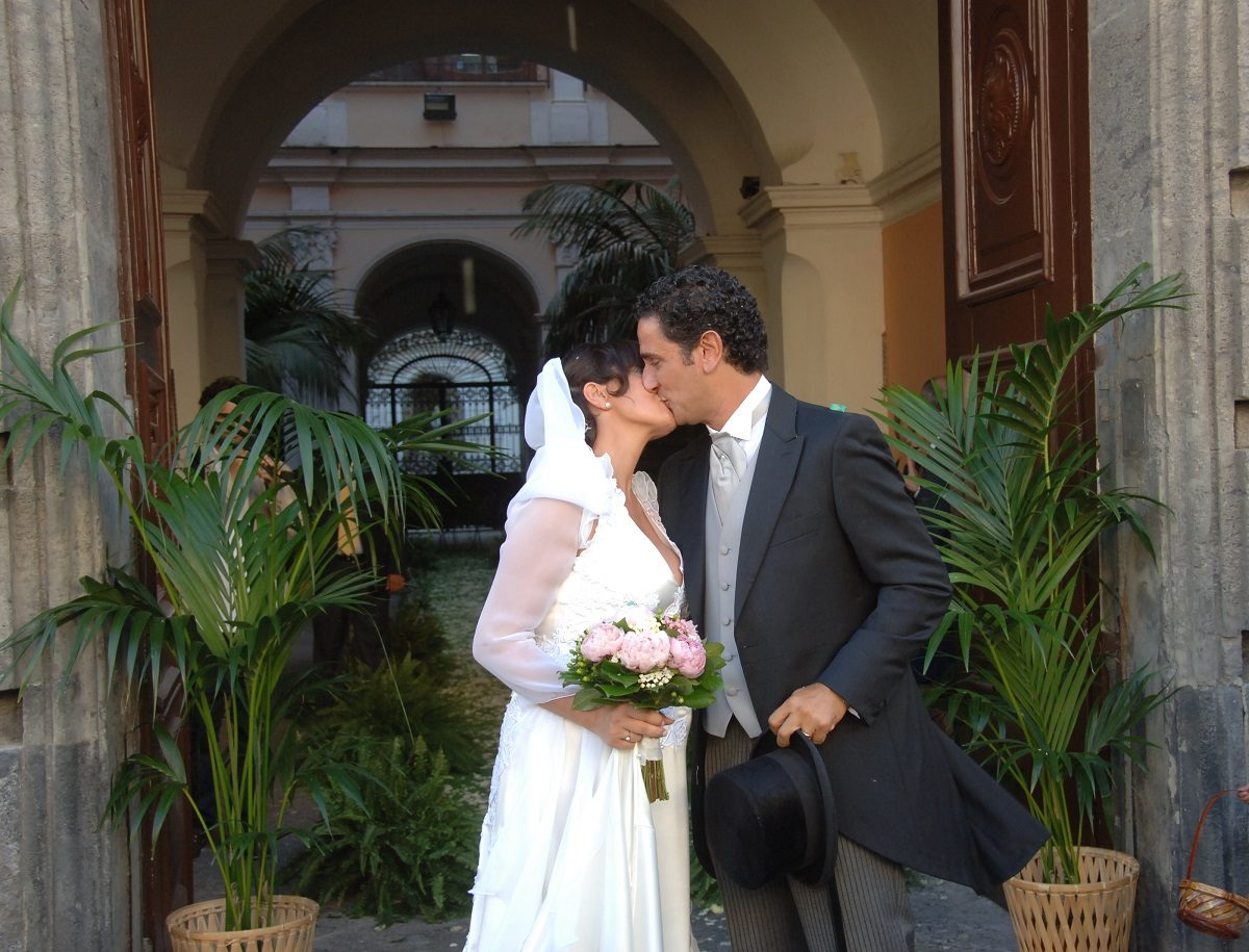 you may now kiss the bride - newly weds in Maiori Amalfi Coast