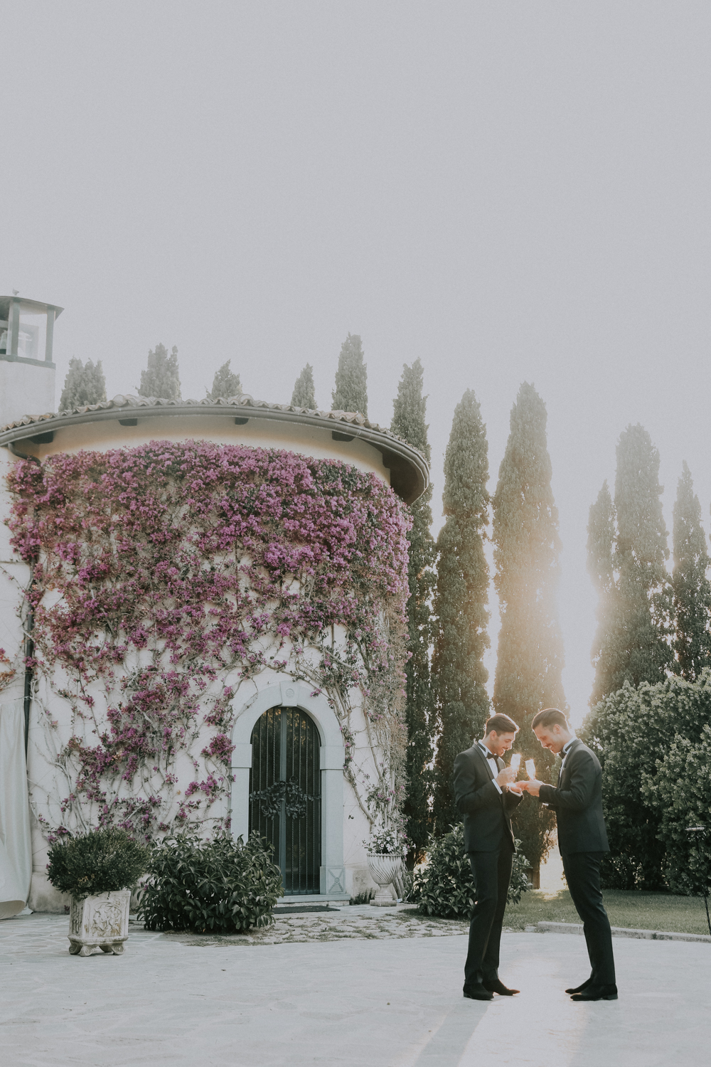 https://www.weddingamalfi.com/wp-content/uploads/Alessandro-and-Diego-sunny-garden-in-south-of-Italy.jpg