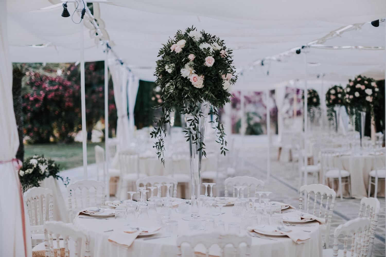 https://www.weddingamalfi.com/wp-content/uploads/Alessandro-and-Diego-wedding-flowers-centerpiece.jpg