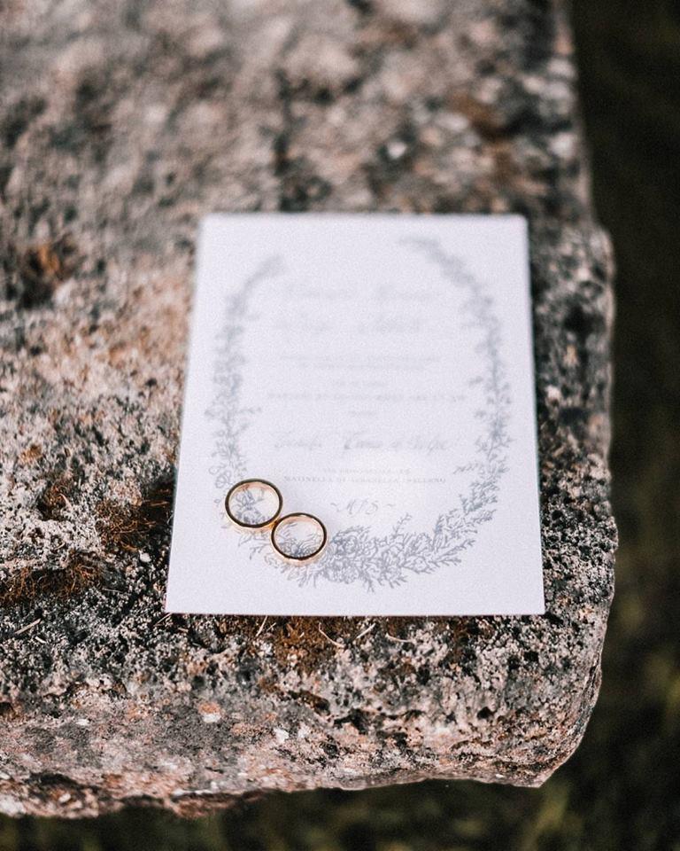 https://www.weddingamalfi.com/wp-content/uploads/Alessandro-and-Diego-wedding-invitation-and-bands.jpg