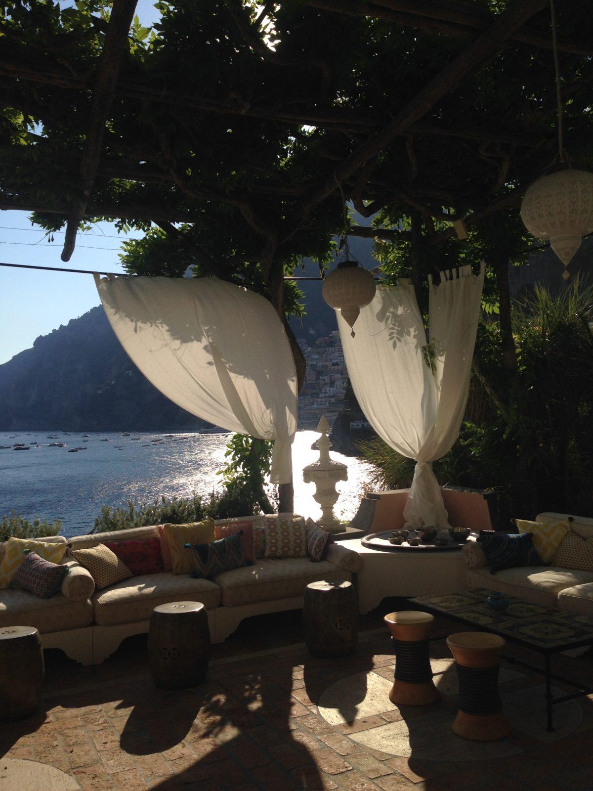 Laura and Jarrod amazing wedding location in Positano