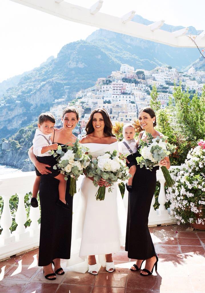 https://www.weddingamalfi.com/wp-content/uploads/Laura-and-Jarrod-bride-and-bridesmaids-are-ready.jpg