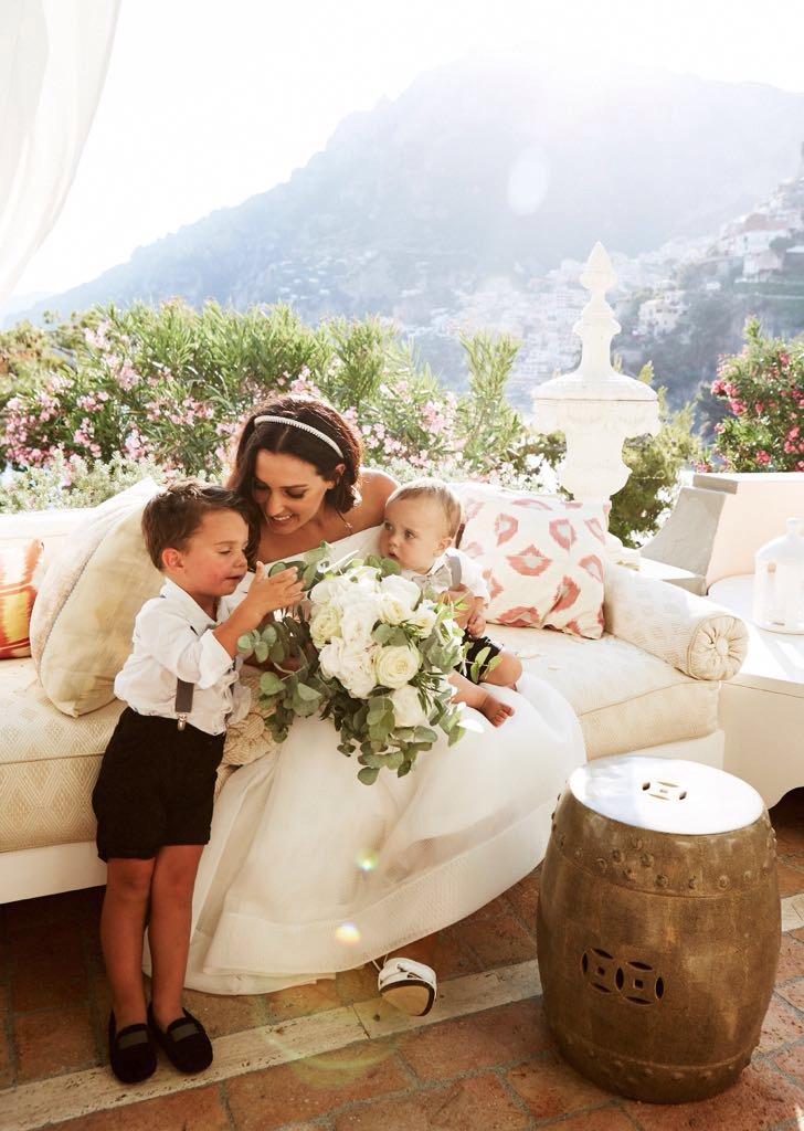 https://www.weddingamalfi.com/wp-content/uploads/Laura-and-Jarrod-the-bride-with-kids.jpg