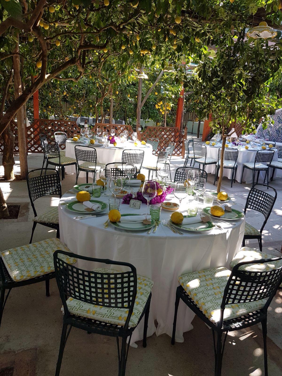 https://www.weddingamalfi.com/wp-content/uploads/Nathalie-and-Benjamin-wedding-day-in-Positano-6.jpg