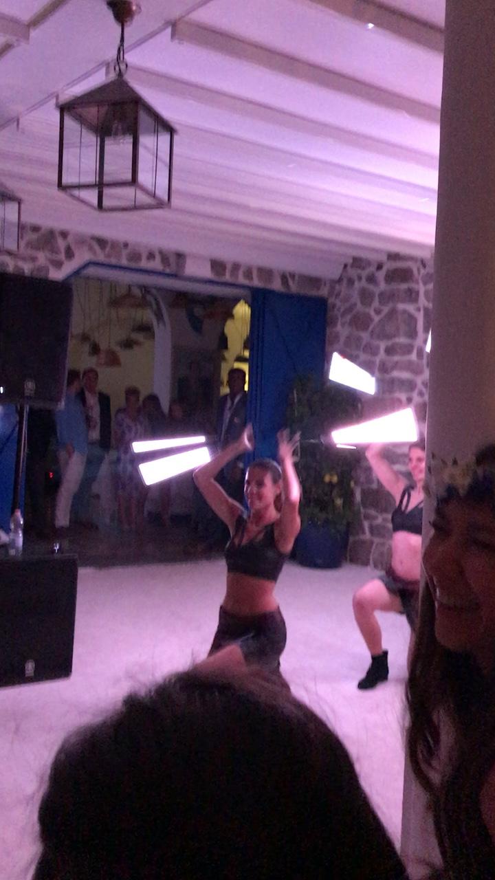 https://www.weddingamalfi.com/wp-content/uploads/Nathalie-and-Benjamin-wedding-in-Positano-27.jpg